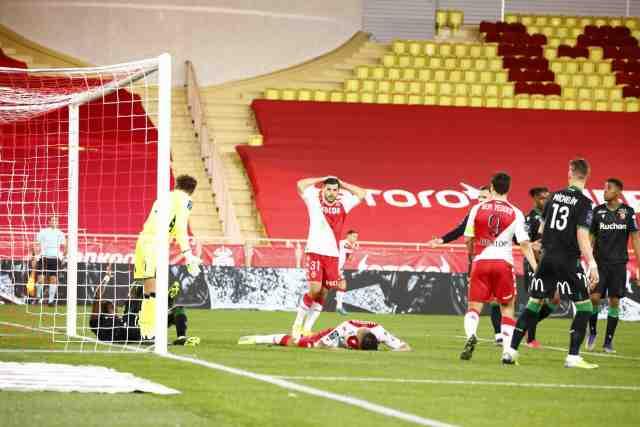 Lens croque Monaco, Saint-Etienne gagne pour la première fois depuis trois mois