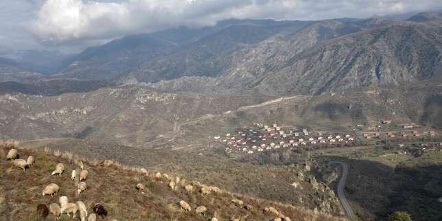 L'Azerbaïdjan reprend le district de Latchine, voisin du Haut-Karabakh, dernière des troisrétrocessions