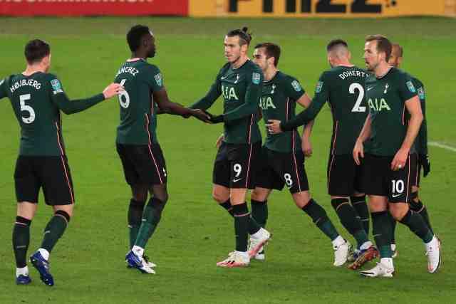 Tottenham domine Stoke et file en demi-finale de League Cup