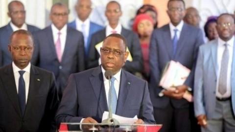 Sénégal: Macky Sall dissout son gouvernement