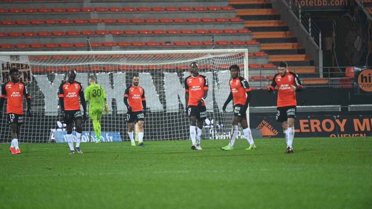Lorient : 7 joueurs positifs à la COVID-19 !