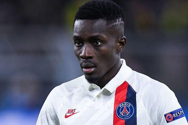 Journal des Transferts (1h00) : calme plat au PSG, l'OM tient son milieu, un buteur chez les Verts, un joueur du Barça à Nice…