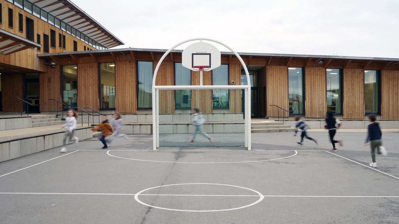 «Faire du sport n'empêche pas d'apprendre à lire» : l'EPS, cette éternelle cinquième roue du carrosse scolaire