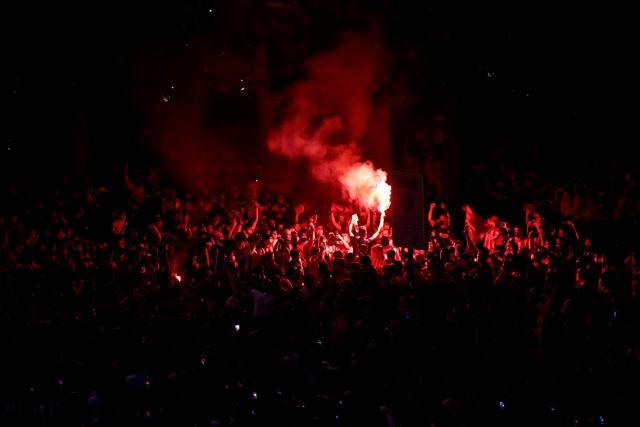 Un supporter de 14 ans de l'Atlético de Madrid meurt lors des festivités du titre de champion d'Espagne
