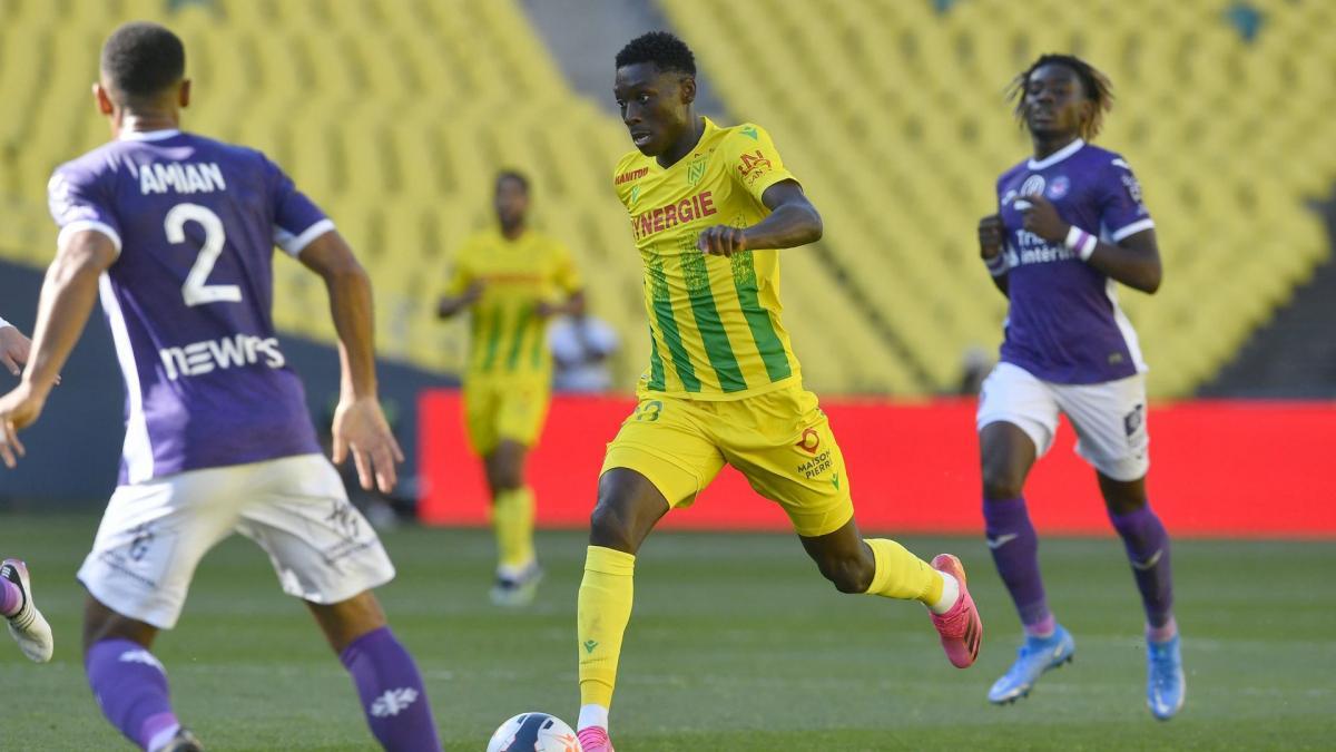 Barrages Ligue 1 : le FC Nantes chute face au TFC mais arrache in extremis son maintien