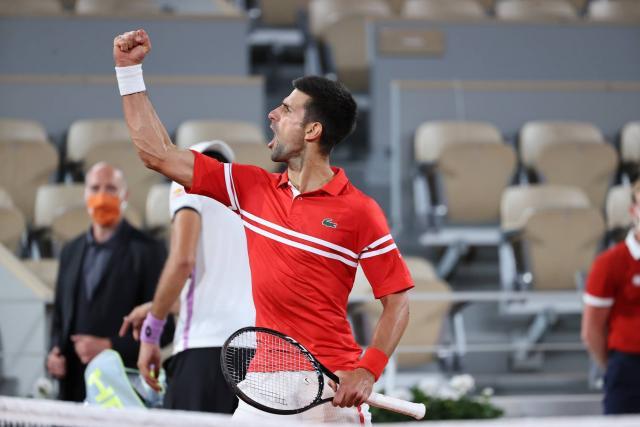 Novak Djokovic rejoint Rafael Nadal en demi-finales de Roland-Garros