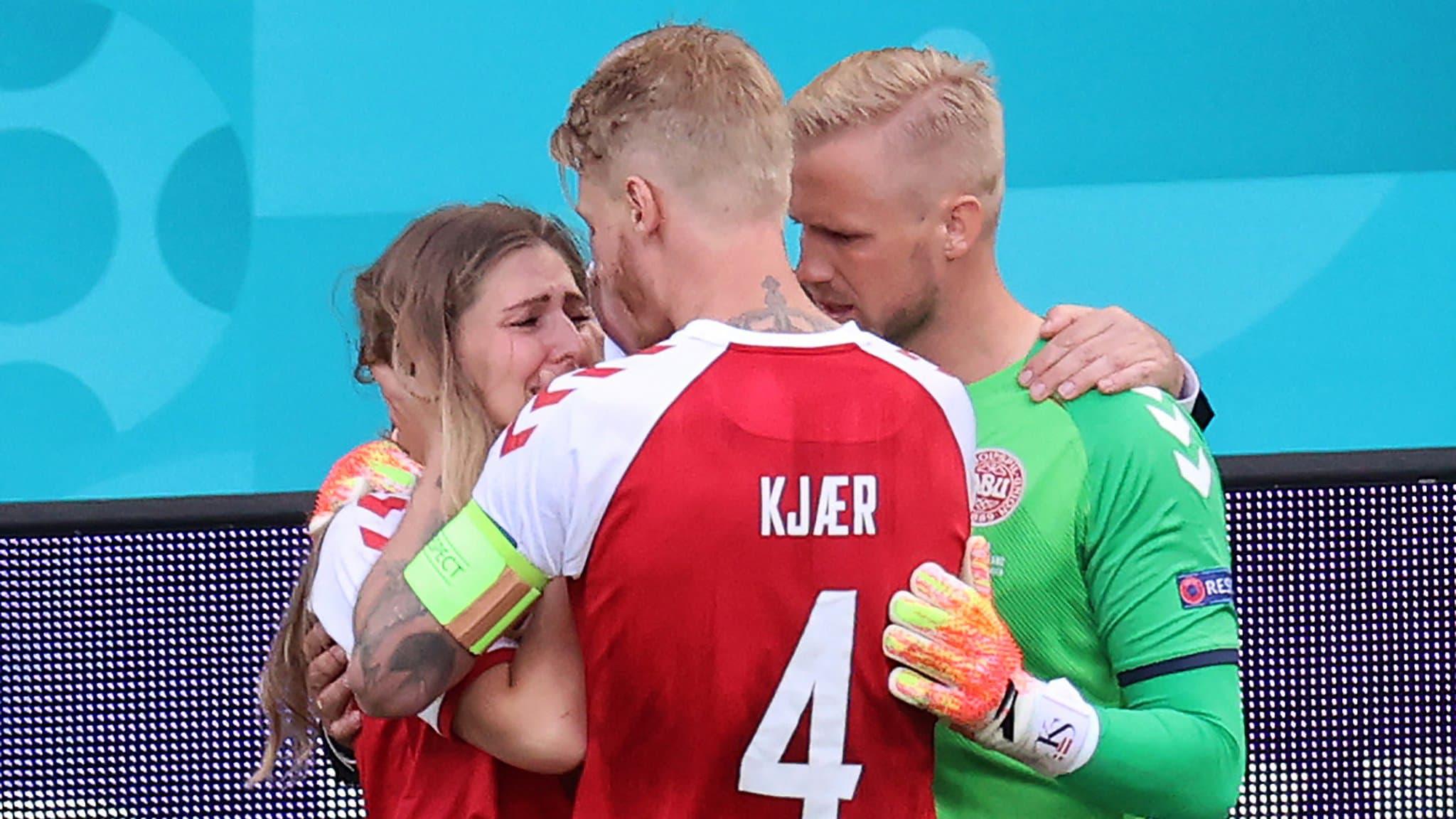 Danemark: Schmeichel et Kjaer ont réconforté la compagne d'Eriksen