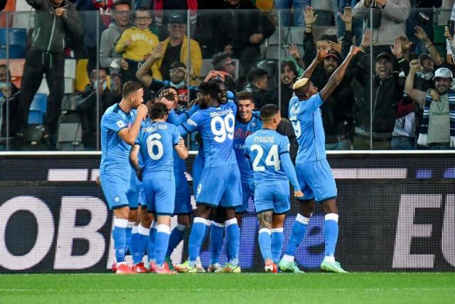 Naples se promène à Udine et devient leader de Serie A